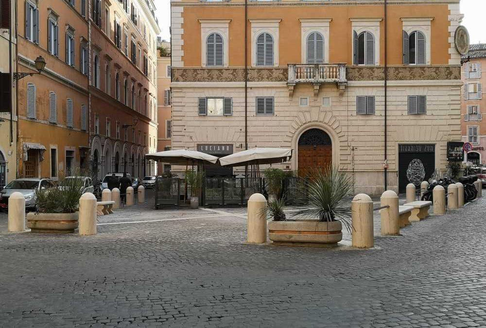 Riqualificazione di piazza del Teatro di Pompeo, decoro urbano restituito grazie al progetto di Luciano – Cucina Italiana
